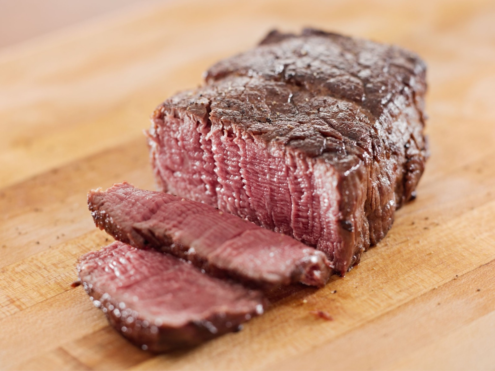 How To Cook Steak Perfectly Without A Meat Thermometer - Medium Steak - Beck & Bulow