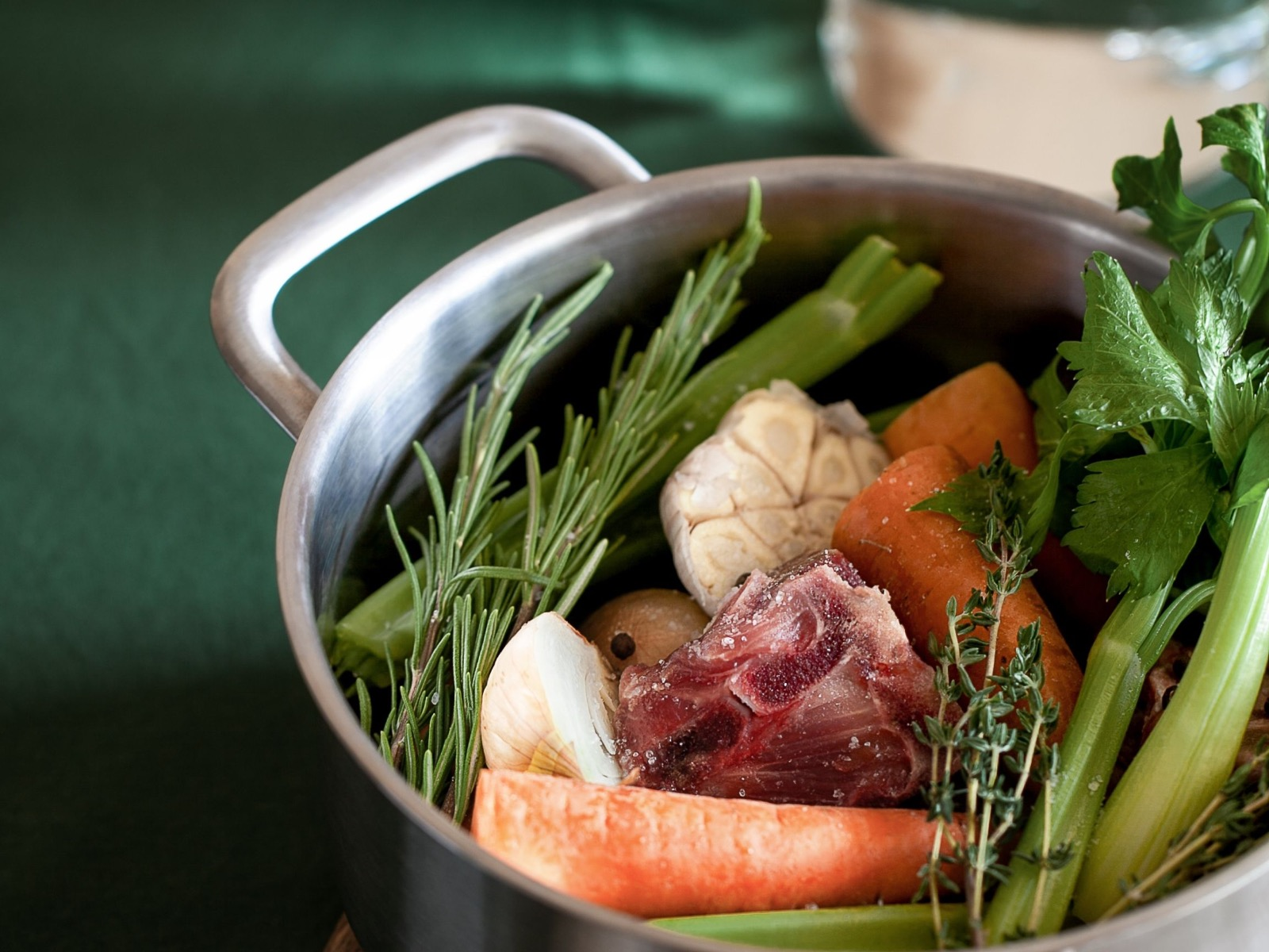 How To Make The Most Flavorful Bone Broth Every Time - Beck & Bulow